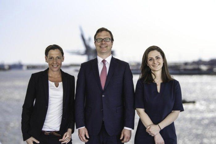 (v.l.n.r.): Maike Günzel, Tim Sauer (Geschäftsführer) und Julia Peters